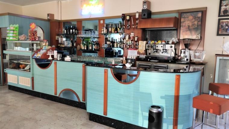Vendesi avviata attività di bar in centro storico