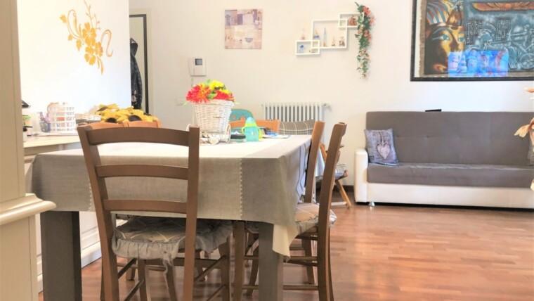 Appartamento con terrazzo in vendita a Viserba