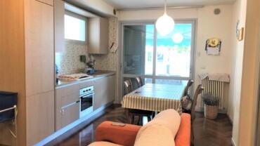 Appartamento con 3 camere in vendita a Miramare