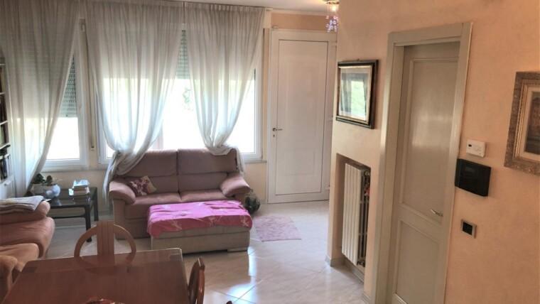 Villa a schiera d'angolo in vendita a San Giuliano mare