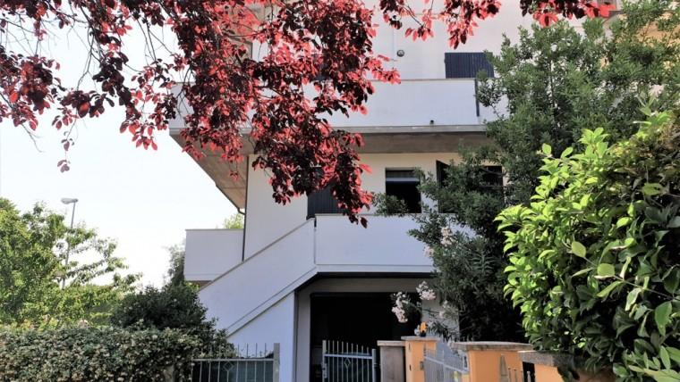 Casa a schiera ad angolo in vendita a San Mauro Pascoli