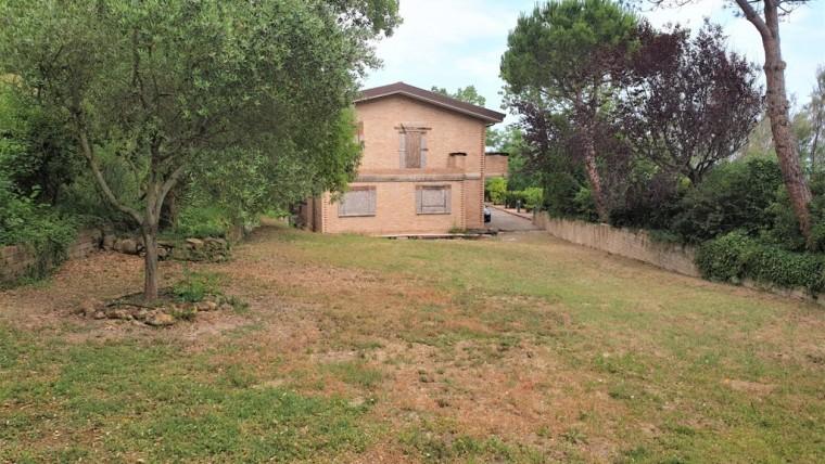 Prestigiosa villa vista mare nel parco San Bartolo
