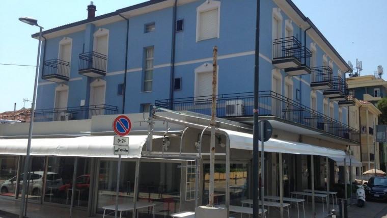 Complesso immobiliare vicino al mare in vendita a Rimini